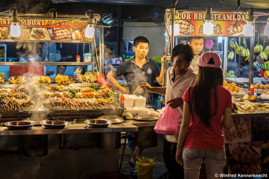 Food vendors at Jalan Alor, Kuala Lumpur, Malaysia.